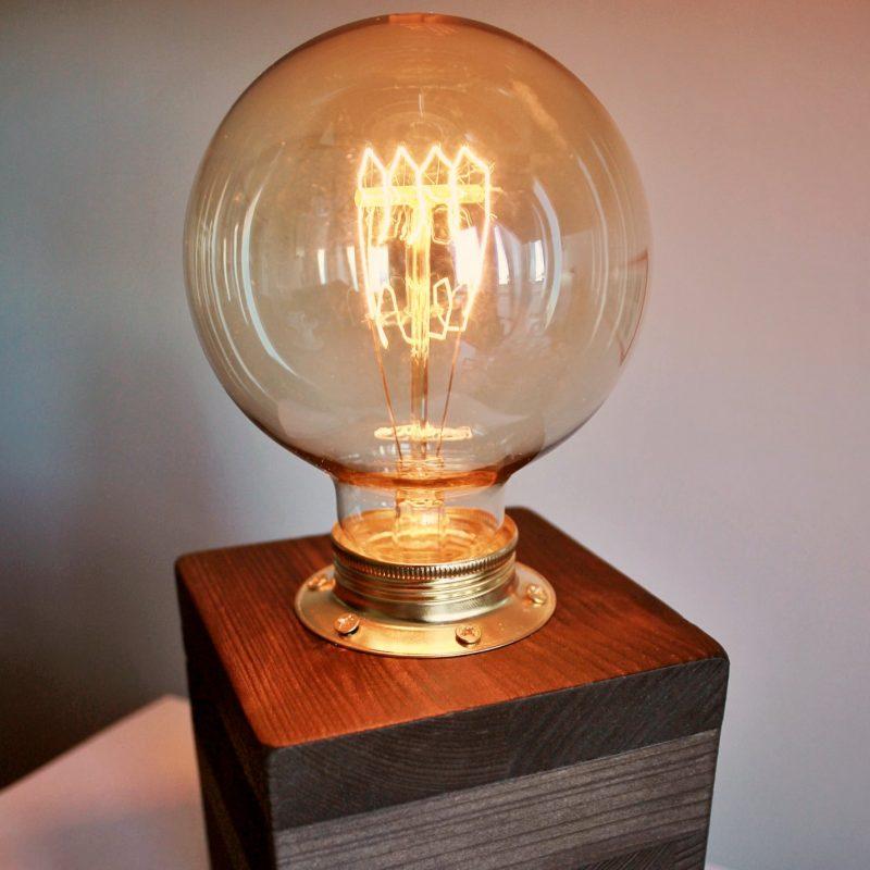 Lampada di design – cubo in legno – lampadina vintage | T002