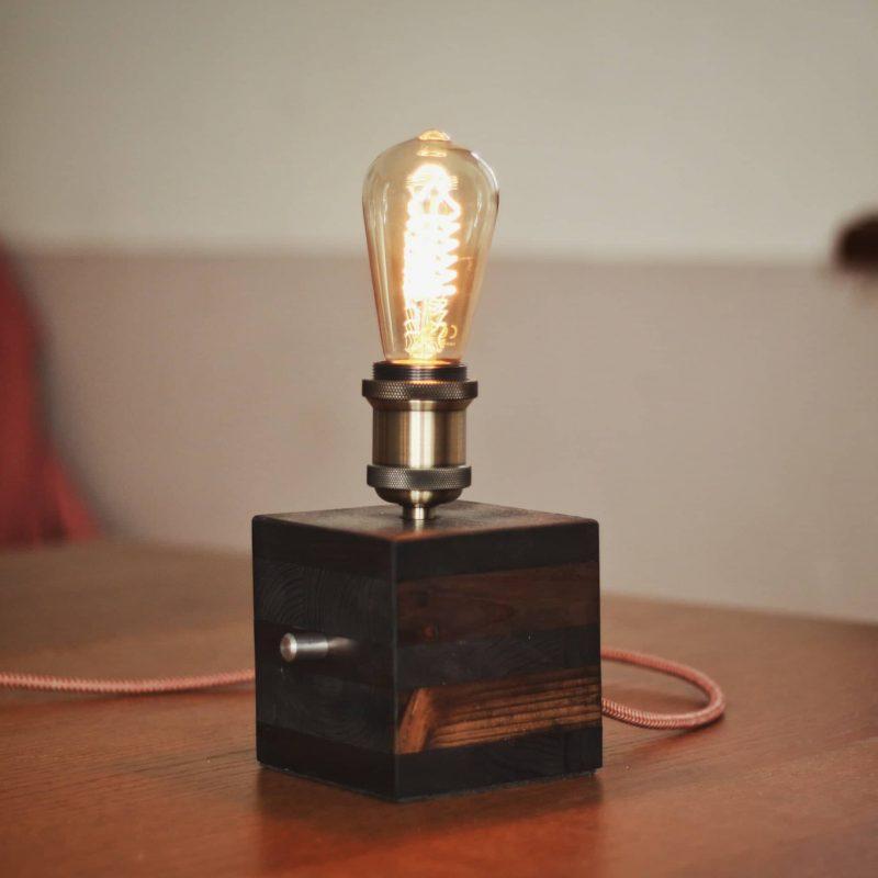 Lampada di design – cubo in legno – lampadina vintage | T005