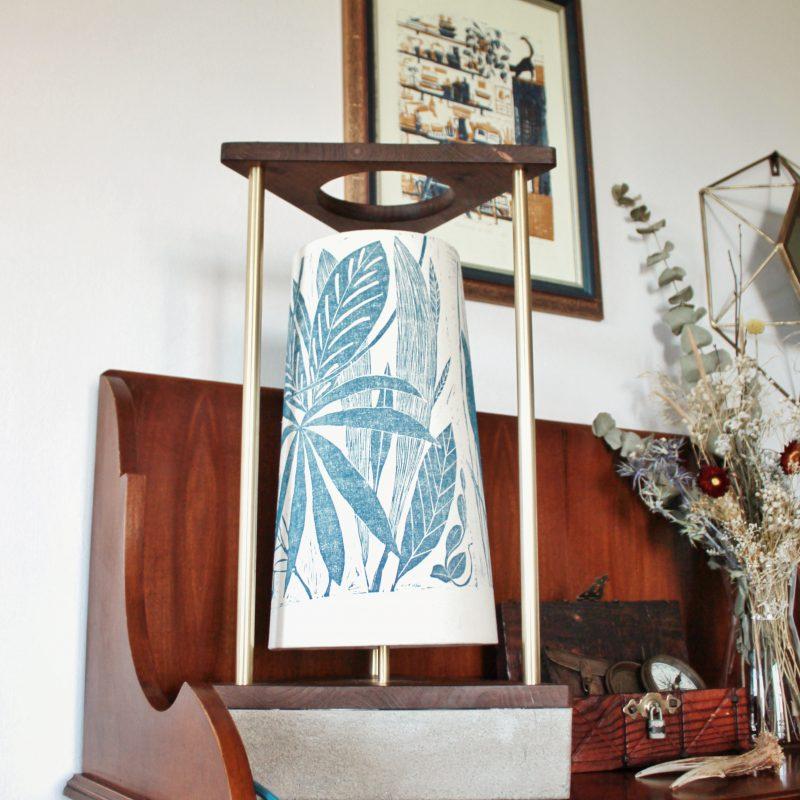 Lampada legno ottone – paralume – jungle – parma | T023