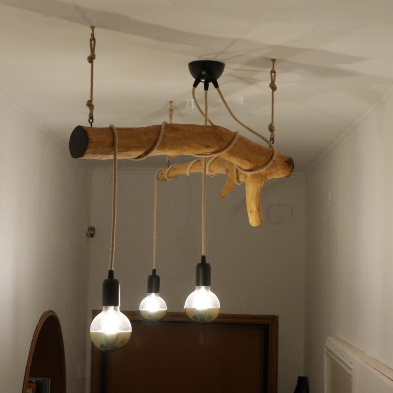 Lampadario in legno – Ramo di Noce – lampade design parma | T026